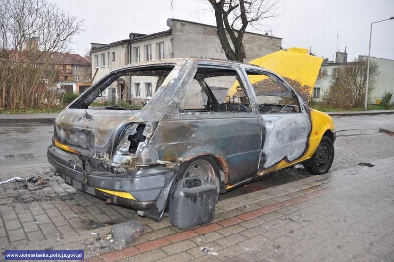 Ukradł samochód igo podpalił
