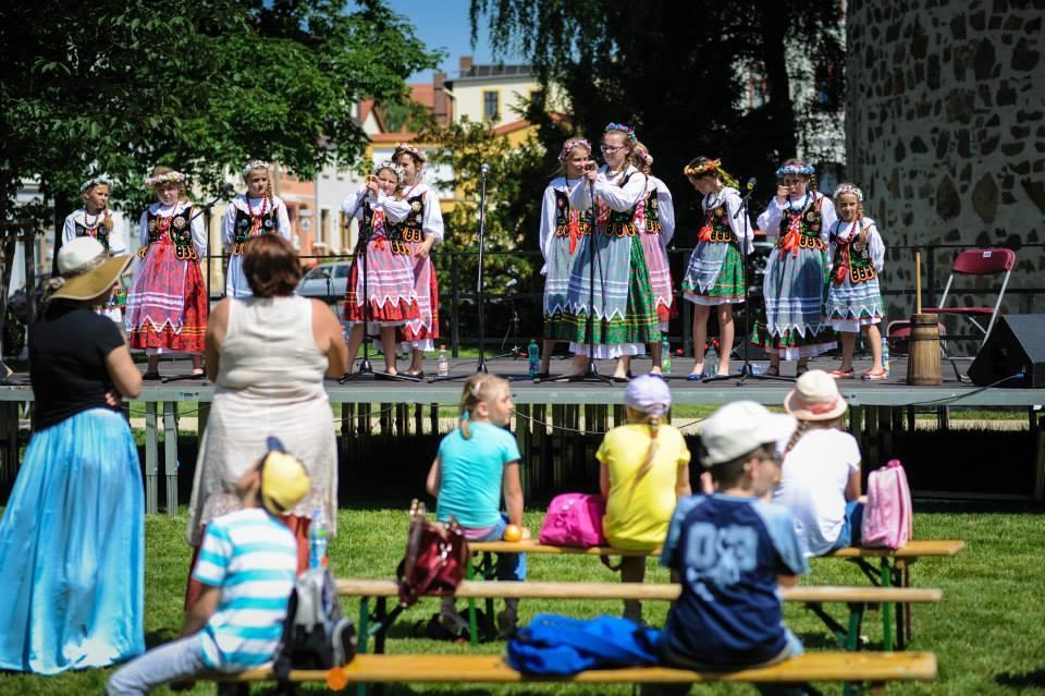 5. Piknik kultury przed teatrem wGörlitz
