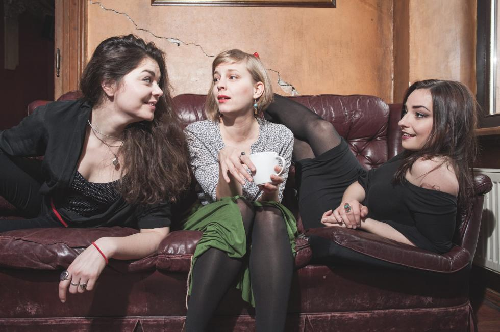 """Ornery Broad – """"Trzy kobiety, trzy żywioły"""""""