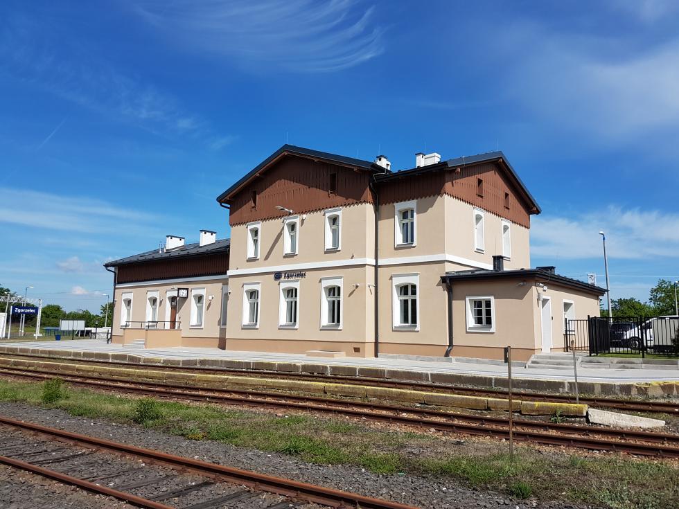 Dworzec kolejowy wZgorzelcu po modernizacji