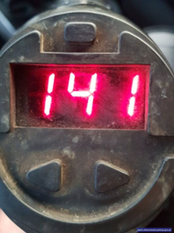 Rekordzista pędził 141 km/h wterenie zabudowanym